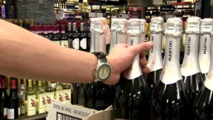 Customer steps in during liquor robbery, police urging public not to