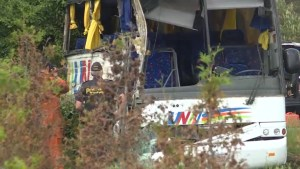 24 injured, 4 critically, after bus crash on Hwy. 401 near Prescott