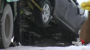 Car plunges into Rivière des Prairies
