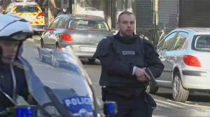 Man shot dead by Paris police reportedly wore fake explosive device