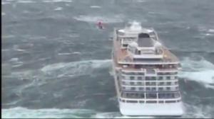 Cruise ship loses power in stormy seas off Norway
