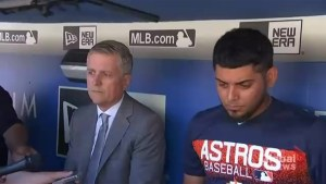 Roberto Osuna addresses new Houston Astros teammates in closed-door meeting