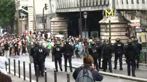 Raw video: Violence flares in France at demo against Israeli Gaza operation
