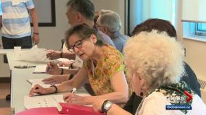 New Alberta program sees seniors get health advice from other seniors