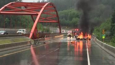 Lamborghini burnt to a crisp on Highway 99, causes traffic