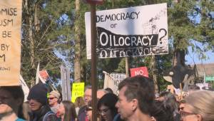 Thousands opposed to the Trans Mountain Pipeline expansion make the voices heard