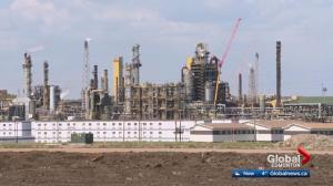 Alberta premier appoints team in hopes of closing oil price gap
