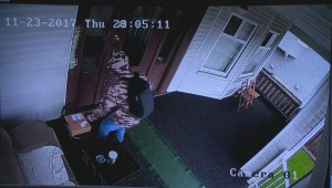 Vancouver family warns about parcel theft