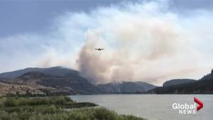 Skimmers on Vaseux Lake helping fight Eagle Bluff fire