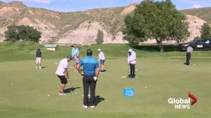 Pros from PGA Canada Mackenzie Tour host Indigenous youth golf clinic in Lethbridge (01:50)