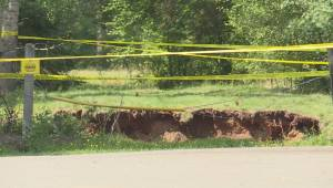 Nova Scotia sinkhole still growing, poses risk to community (01:58)