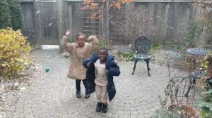 Video shows newcomer children experiencing first Canadian snowfall in Toronto