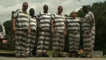 6 inmates get sentences shortened after helping save their guard's