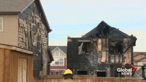 'It just spread like crazy': fire destroys Calgary home, damages 2 others