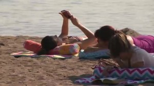 Toronto hit with heat wave in first weekend of fall