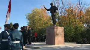 Monument unveiled in Kirkland in support of veterans, returning soldiers