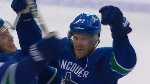 Sedins unite to score OT winner in final game at Rogers Arena