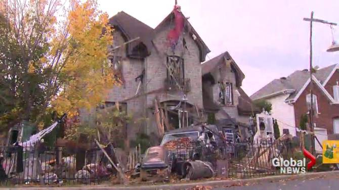 Mysterious and spooky halloween houses part of a new urban trend montreal - Halloween decorations toronto ...