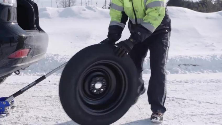 Winter Tires Quebec >> Quebec Moves Up Deadline For Obligatory Winter Tires In 2019