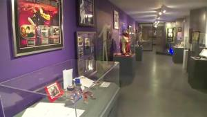 New Justin Bieber exhibit in Stratford filled with personal memorabilia from his early days (01:31)