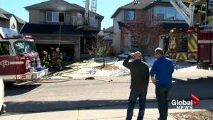 Neighbour credited with keeping Calgary house fire from spreading