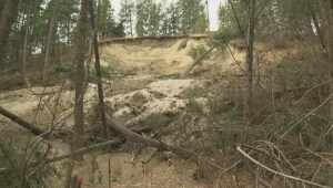 Ten West Kelowna properties at risk following mud slide