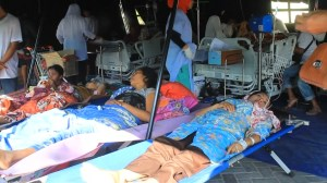 Indonesia officials say at least 98 dead so far after earthquake on Lombok Island