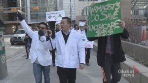 Alberta pharmacists protest NDP funding cuts