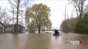 Flood waters threaten homes in Quebec