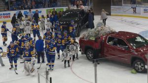 Saskatoon Blades beat Prince Albert Raiders in annual Teddy Bear Toss game