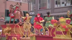 Santa delights crowds at annual Montreal Santa Claus Parade
