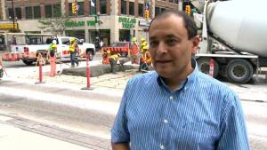 Winnipeg road specialist says Winnipeg roads buckling in the heat could continue (00:44)