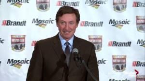 Wayne Gretzky credits Gordie Howe for his playing career