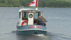 New Brunswick man launches mini tugboat that he made from scratch