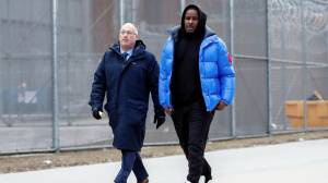 R. Kelly makes bond, leaves jail after spending weekend in Chicago jail on sex abuse charges