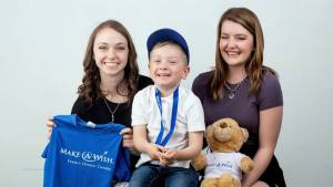 Former Make-A-Wish recipient Mackenzie Curran gives back
