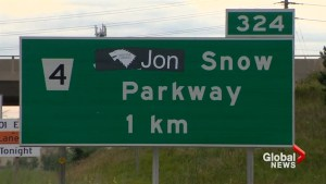 Game of Thrones fans rename James Snow parkway sign to read 'Jon Snow parkway'