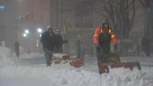 Two feet of snow expected in U.S. east coast