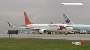 Sunwing Passengers Stuck On Ground for Up to 6 Hours