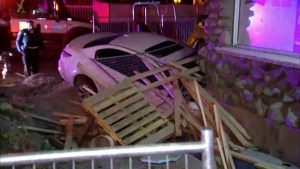 Driver crashes car into Saint-Hubert store