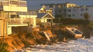 3 dead as strong storms thrash Australia's east coast