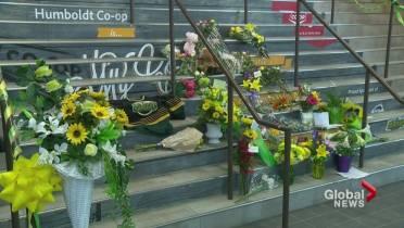 1b0ee5c6b B.C. hockey moms plan jersey day to remember Humboldt bus crash victims
