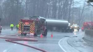 Tractor-trailer rollover spills fuel near Caledon river (03:04)
