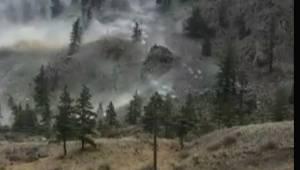 B.C. man shares adrenaline-fueled reaction to rockslide near Keremeos (00:59)