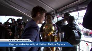 Raptors victory parade: Kyle Lowry, Justin Trudeau chat and take selfie