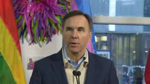 Goal is to enabling Canada Post workers to get back to work and leaving both sides satisfied: Morneau (01:06)
