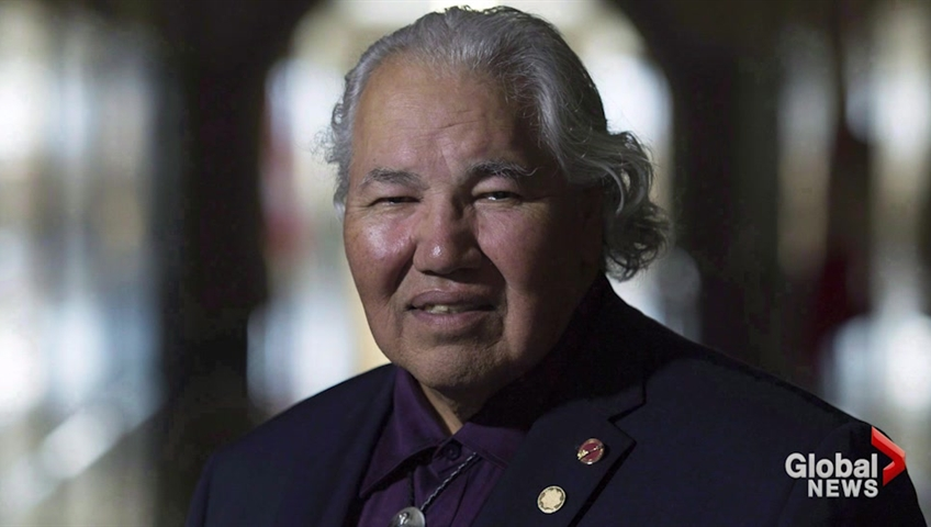 Winnipeg mayor wants senator to resign for 'ignorant' comments about Aboriginals