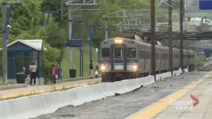 Train users protest Deux-Montagnes service delays