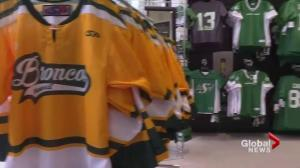 Riders to honour victims of Humboldt Broncos bus crash