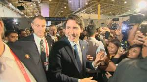 Trudeau gets rock star exit at APEC Summit in Manila